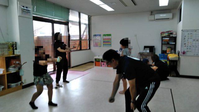 放課後等ディサービス「るんるん」様で子供たちを楽しくビジョントレーニング